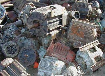 废旧发动机